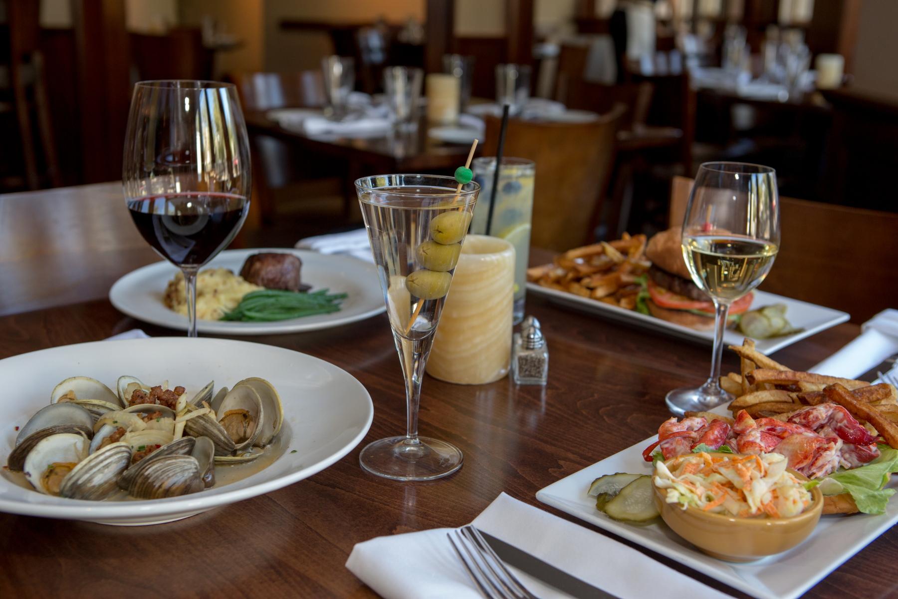 dinner-table-jos-american-bistro-newport-ri-2